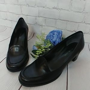 Bandolino Stacked Leather Pumps
